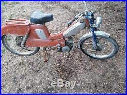 Ancienne mobylette motobecane bleues oranges av89 cyclo vintage