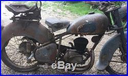 Anciennne 125 PEUGEOT 55 TCL 1950, loft, usine, vintage, industriel, moto, solex