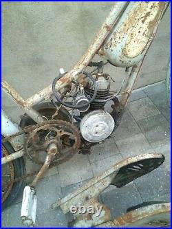 Mobylette bma Alcyon état d'origine sortie de grange moto ancienne collection