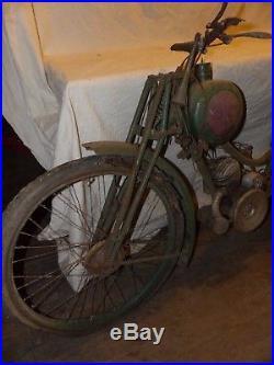 Moto de dame ou ecclésiastique de marque Terrot a restaurer